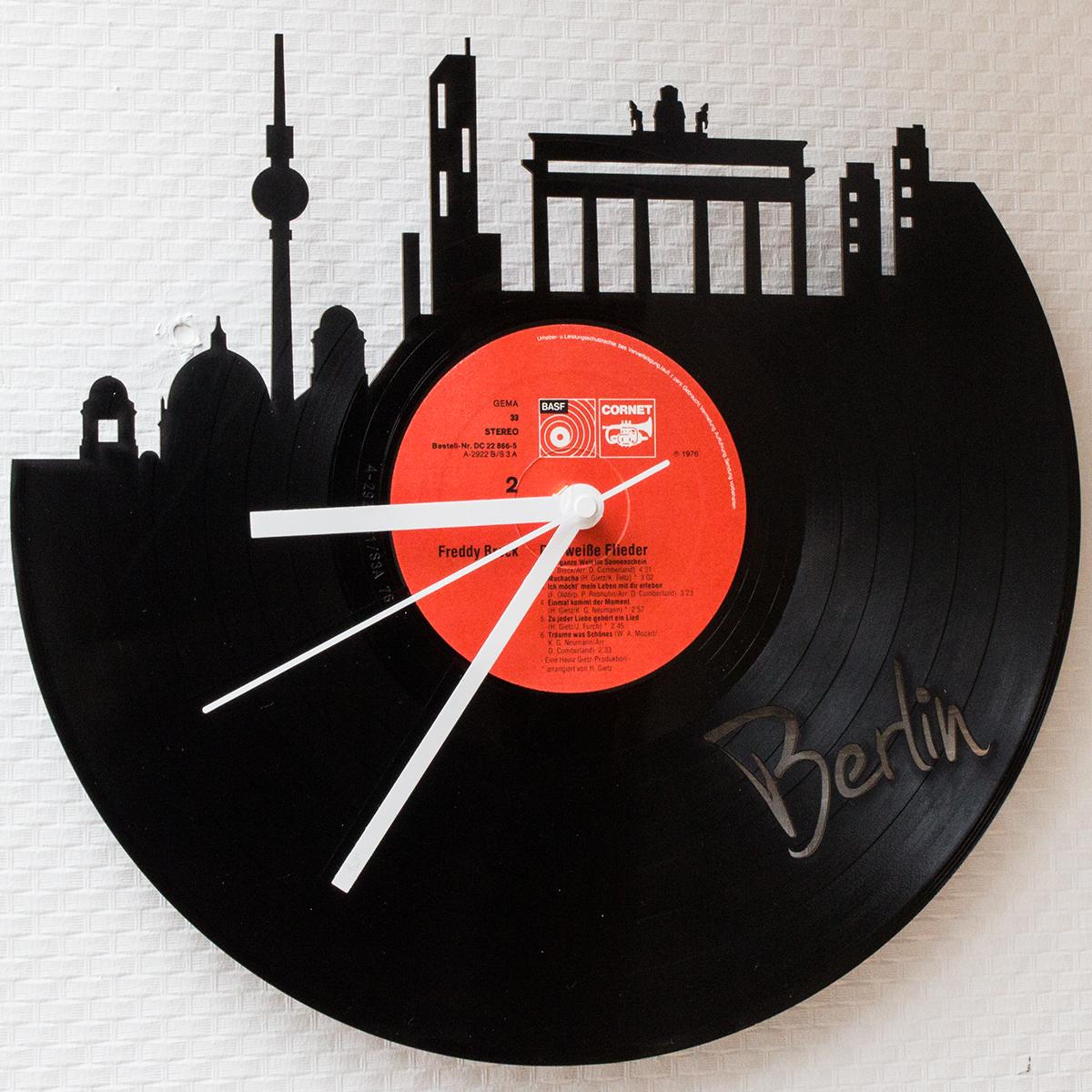 Schallplattenuhr-Skyline-Berlin.jpg