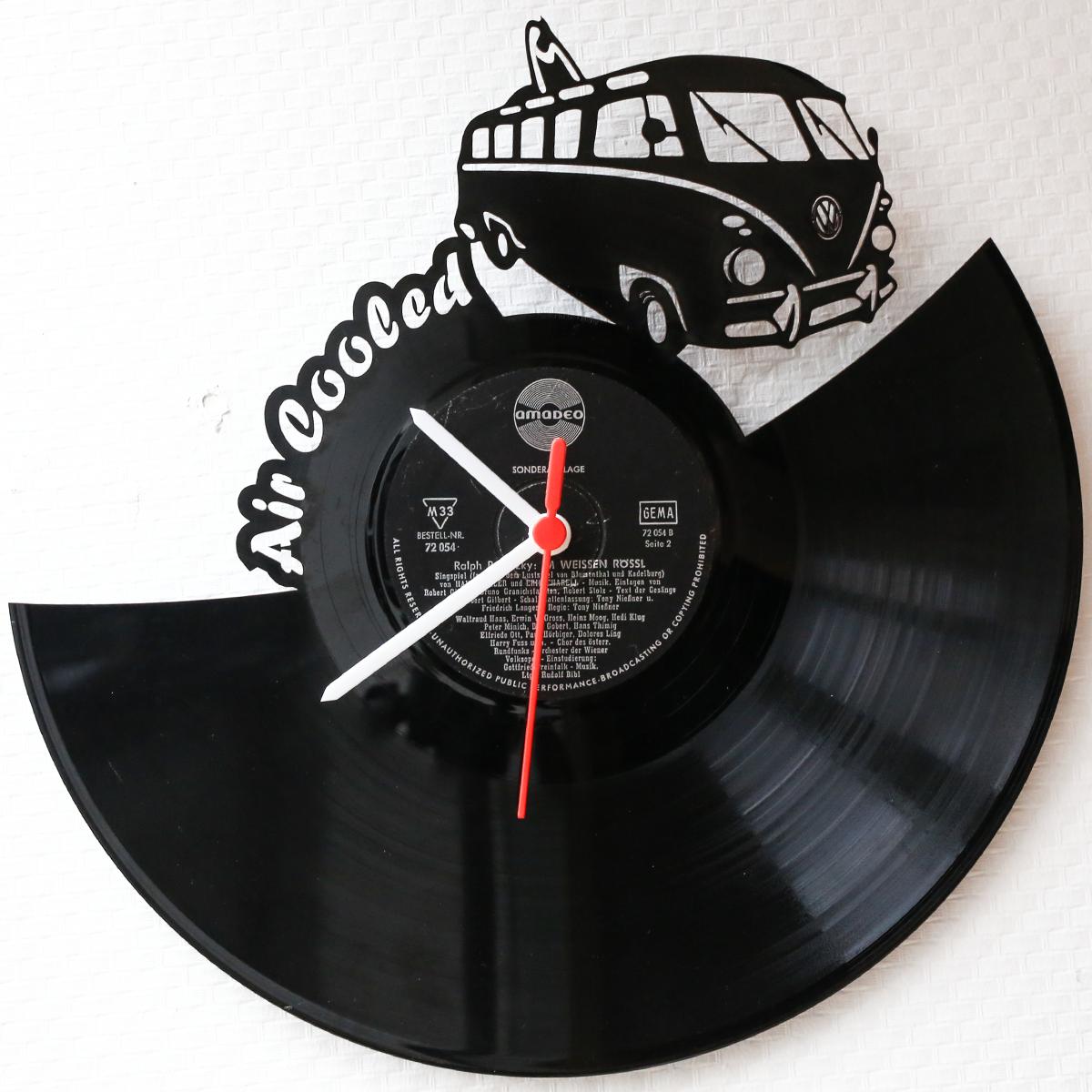 Schallplattenuhr-VW-Bully.png