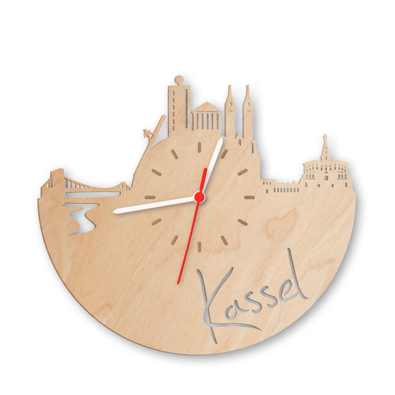 Wanduhr aus Holz Skyline Kassel GRAVURZEILE